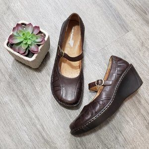 Hush Puppies * Brown Leather Wedge Mary Jane 8.5